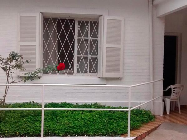 Qual é a hora de decidir se o idoso deve ir para uma casa de repouso?